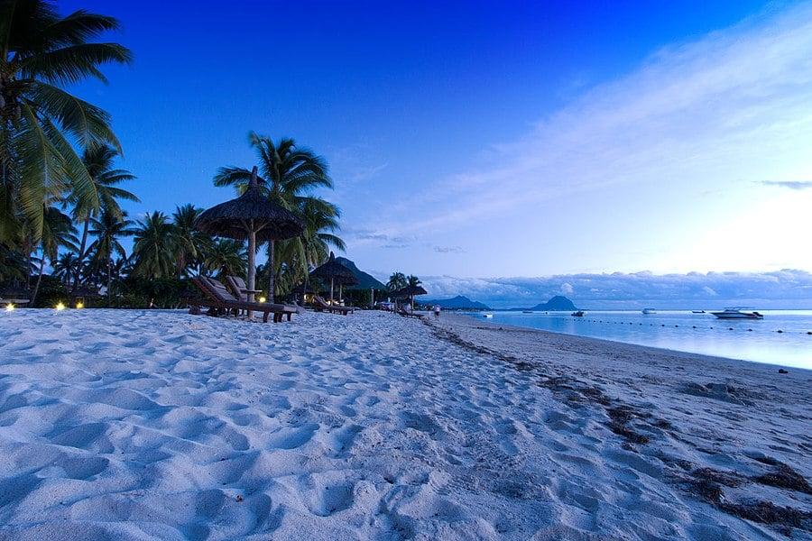 Mauritius a declarat stare de urgenţă ecologică. Franţa anunţă că va trimite ajutoare