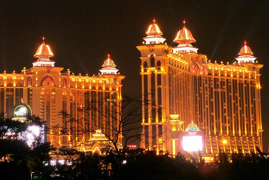 How to Get Laid in Macau - Where to Pick Up and Date Girls