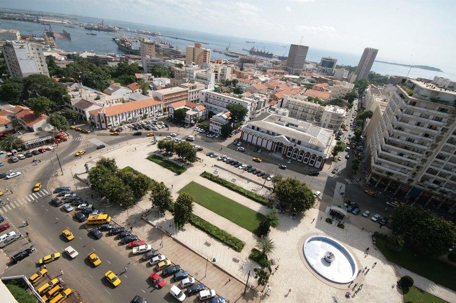 Dating femeie datand in Dakar)