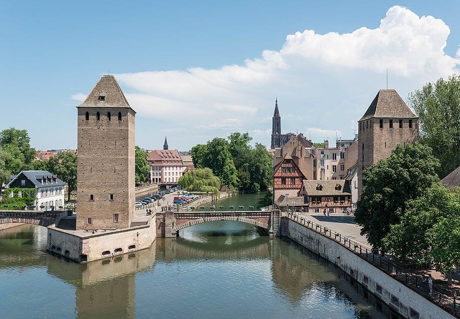Femeia care cauta omul in Strasbourg)