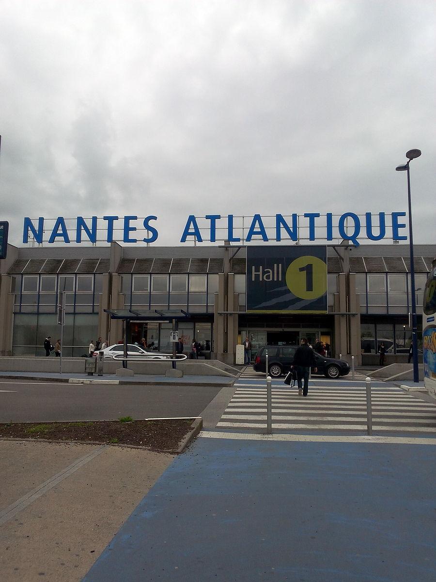 Cauta? i Nantes Girl.
