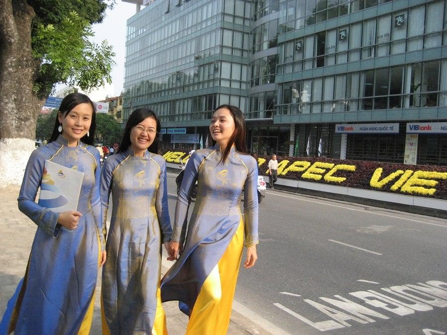 Meeting girls in vietnam