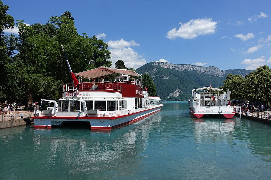 Dating om pe Annecy)